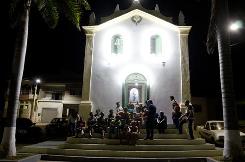 Serenata na escadaria da Igreja